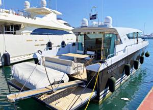 Delta Powerboats 54 IPS Carbon